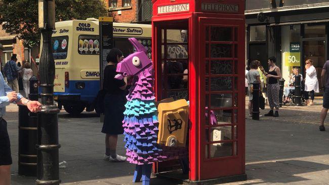 Lama w Londynie - 5 sezon Fortnite