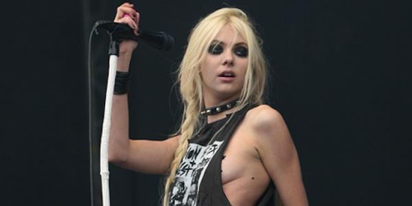 Taylor Momsen podczas koncertu The Pretty Reckless