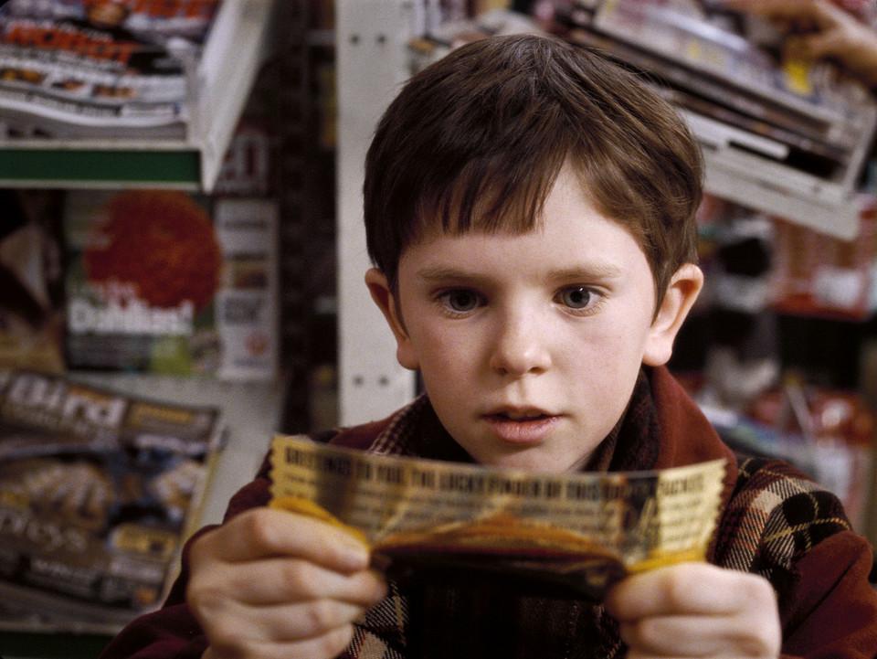 """Kadr z filmu """"Charlie i fabryka czekolady'"""