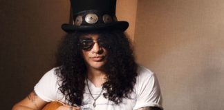 Slash prezentuje teledysk do Mind Your Manners