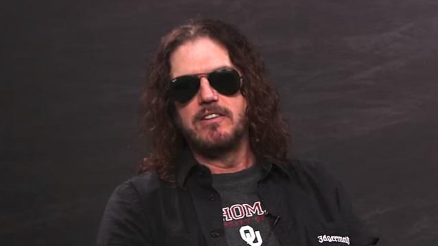 Klawiszowiec Guns N' Roses z nowym teledyskiem