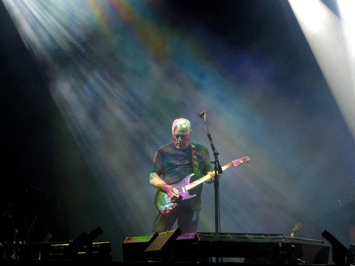 David Gilmour sprzedał swoje gitary