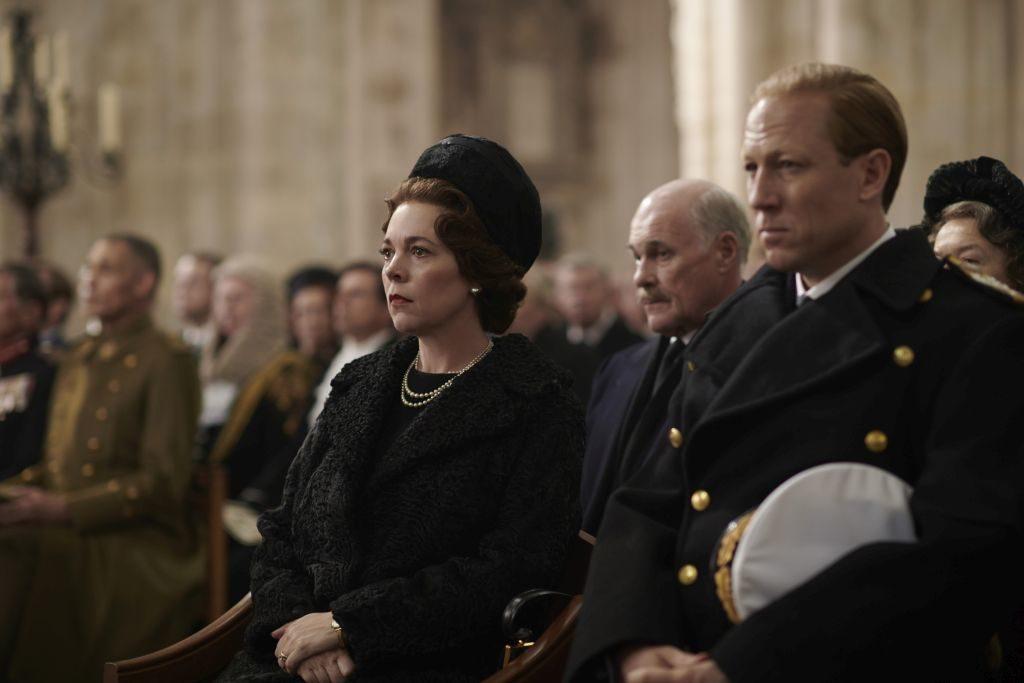 The Crown Królowa i książę Filip